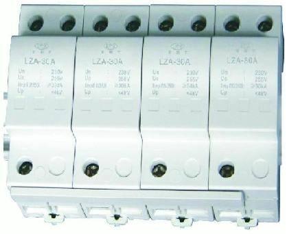 Power gap lightning protection device