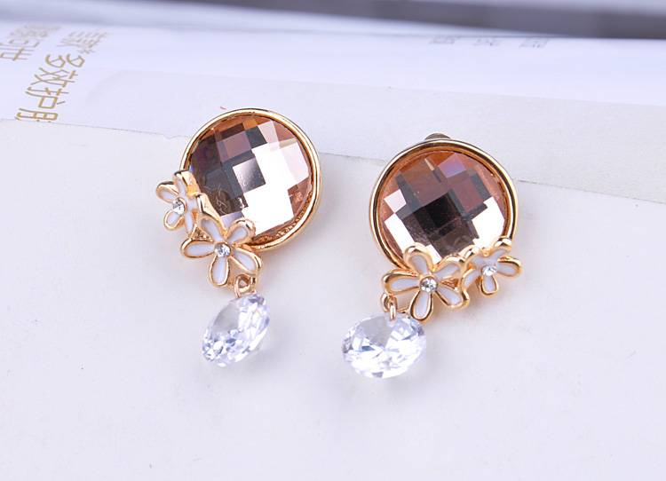 Fashion Dangle Earrings With Austrian Crystal For Woman