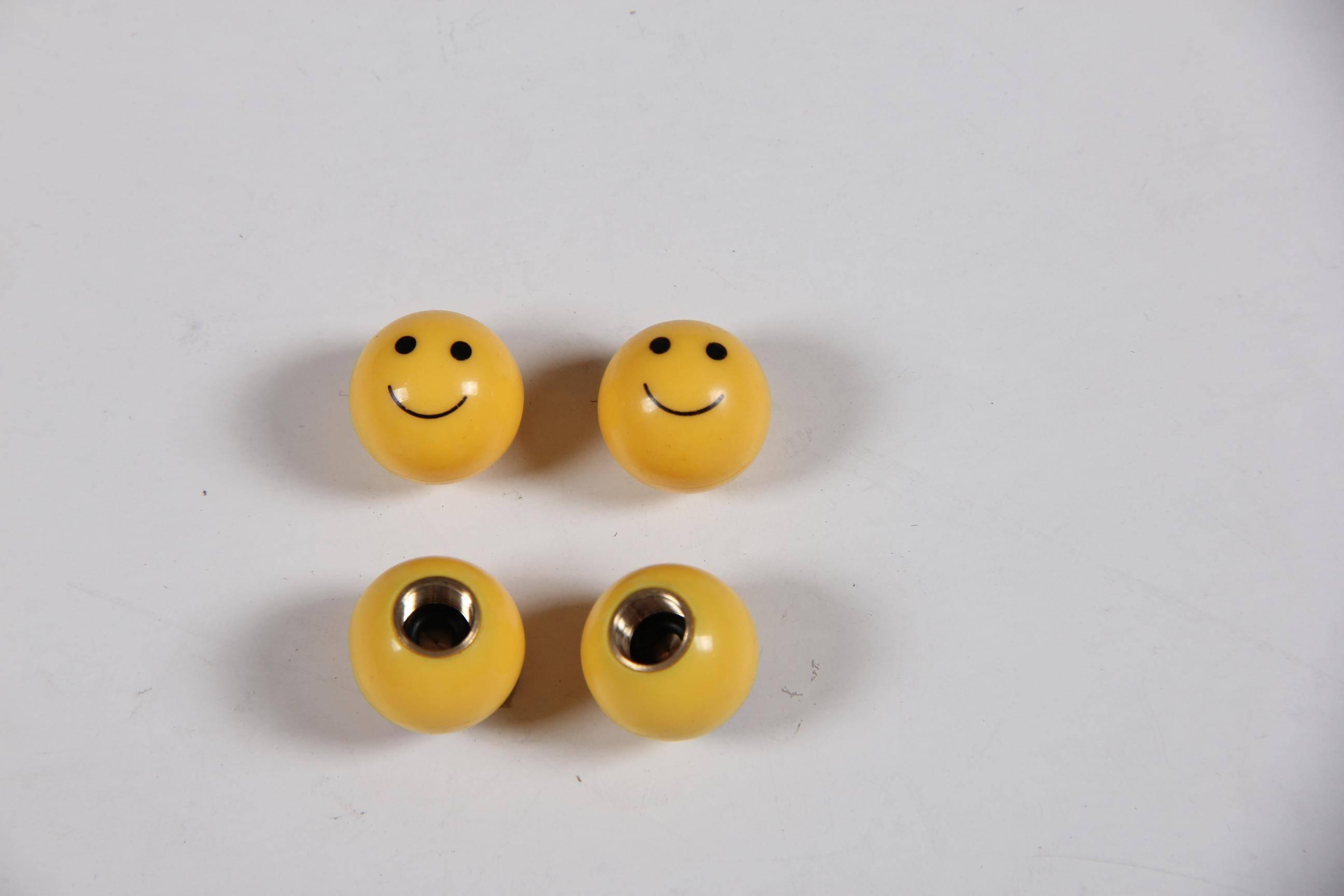 smile tire valve cover