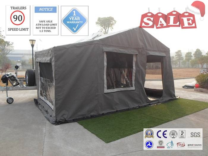 Off road backward folding hard floor camping trailer with 8cm sponge mattress and sitting pad