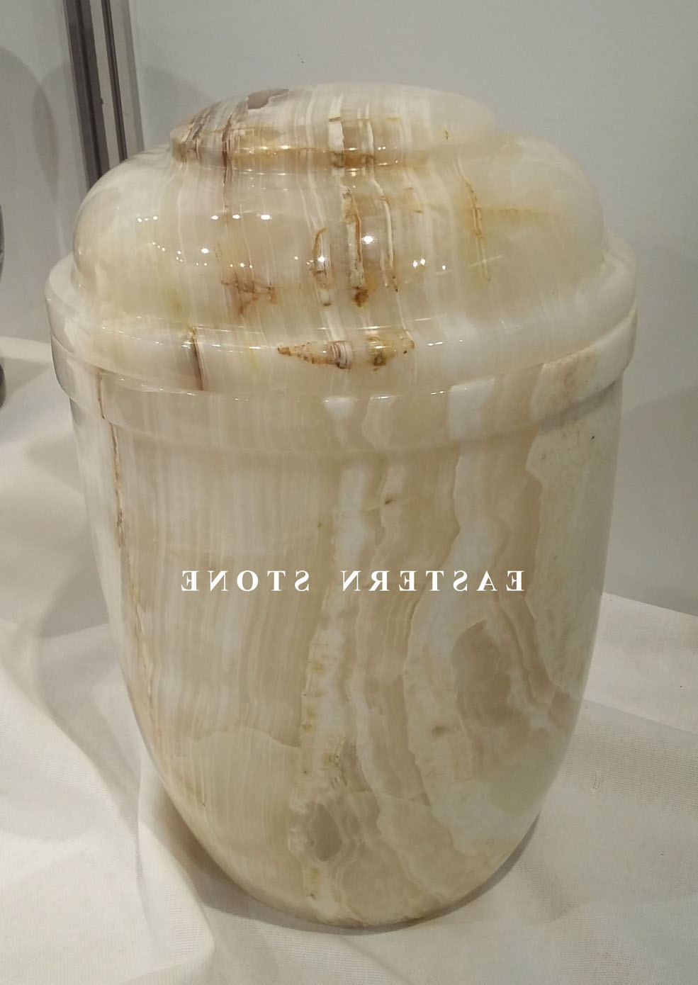 CREMATION URNS EUROPEAN DESIGN AND STYLE