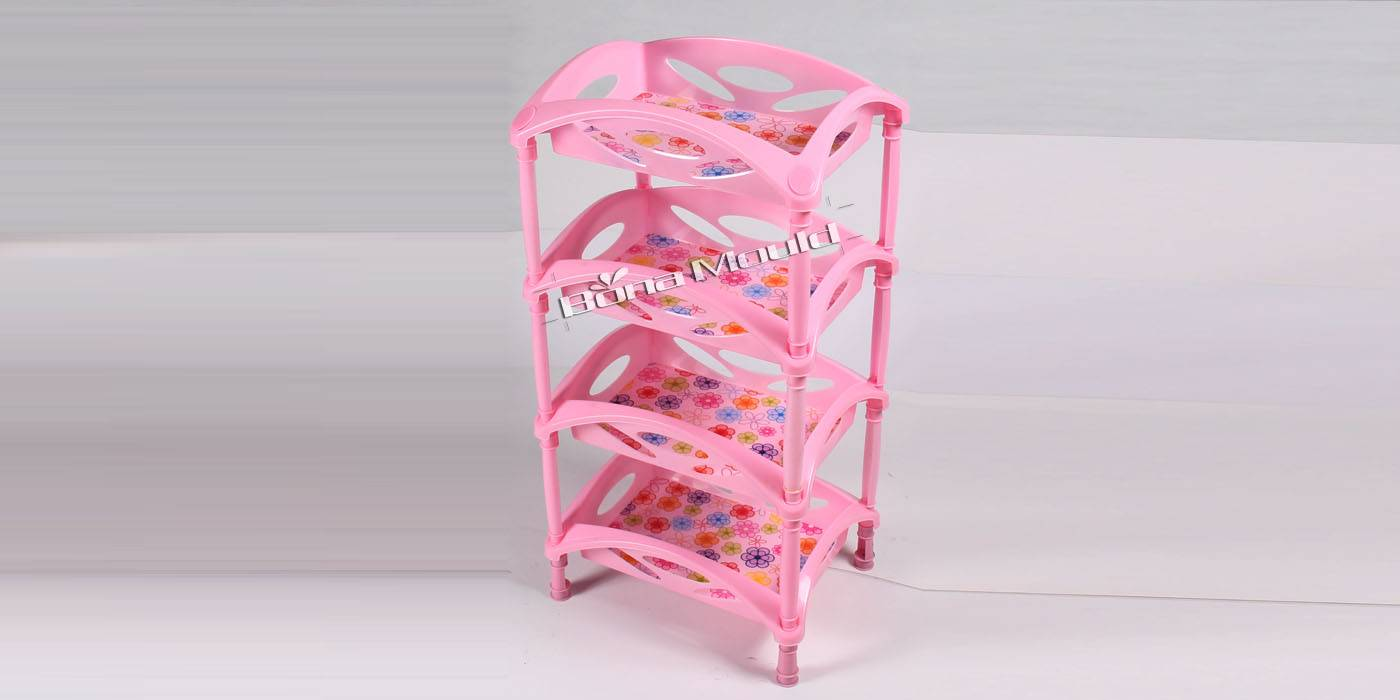 Plastic shelf mould