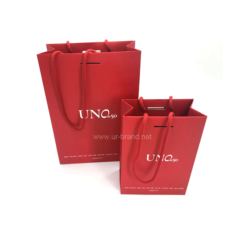 Matte Laminated Red Bottom Folding Branded Paper Bags With Cotton Rope , Silver Foil Logo Urbrand
