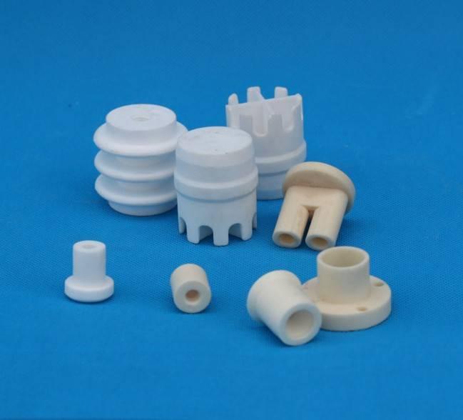 kualitas alumina keramik komponen kecil dalam berbagai bentuk