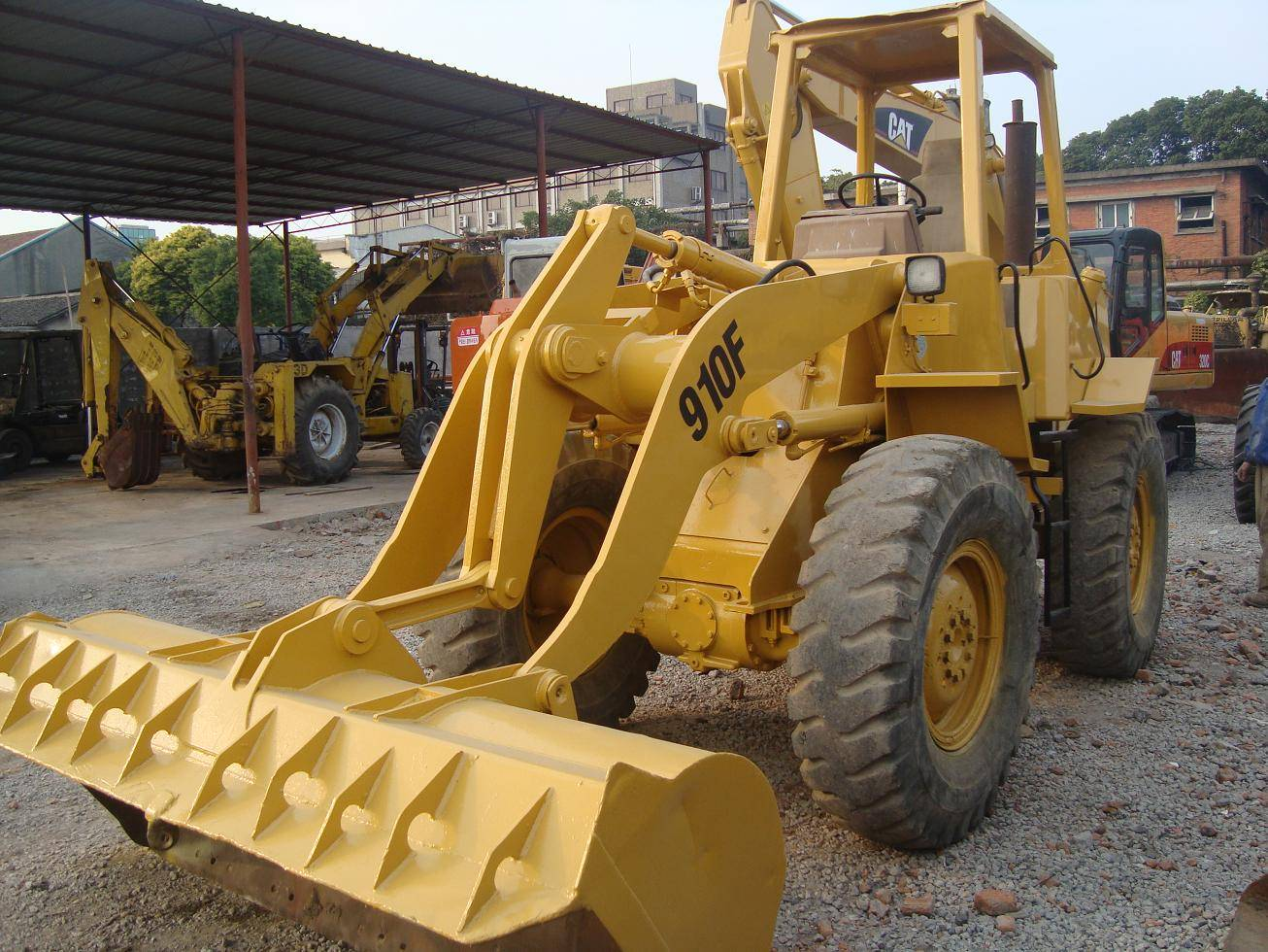 used cat wheel loader 910F