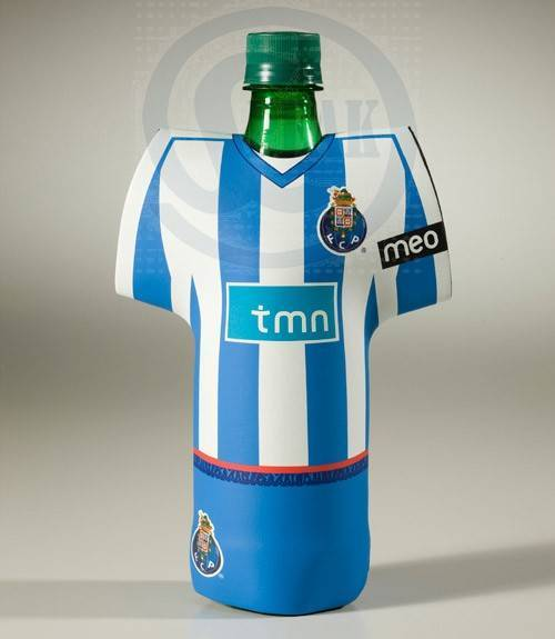 Neoprene T-Shirt football stubbie/stubby/beer bottle cooler holder