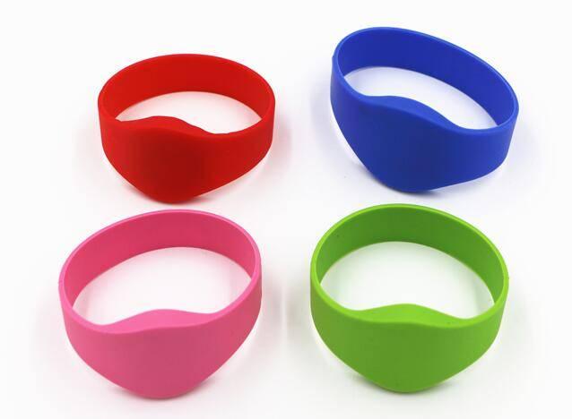 UHF Silicone Wristband Bracelet Tag