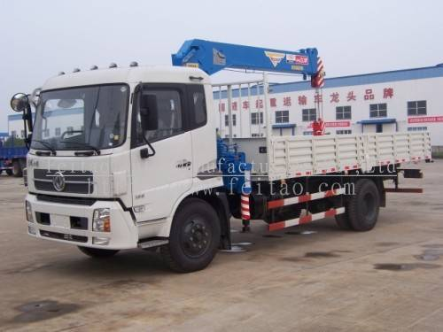 6.3ton truck-mounted hydraulic cranes(telescopic boom or knuckle boom)