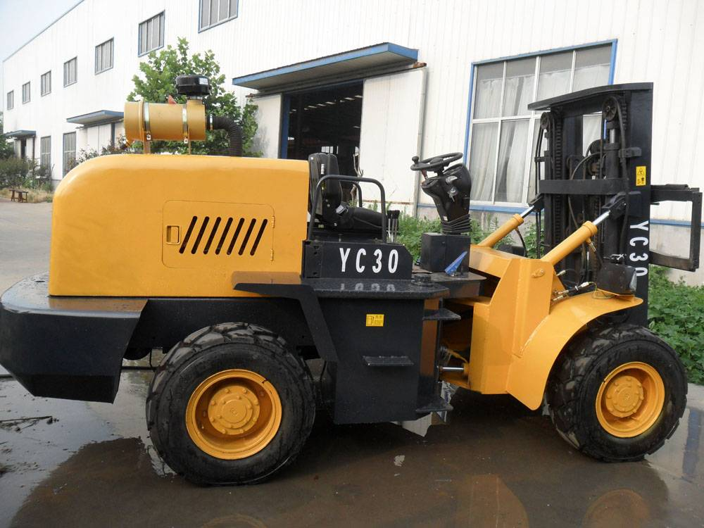 4x4 off road forklift HTYC30 capacity 3tons with 3 stage mast