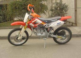 SUZUKI style 200cc dirt bike with reverted shocks