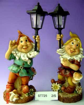 sell polyresin figurine with solar light