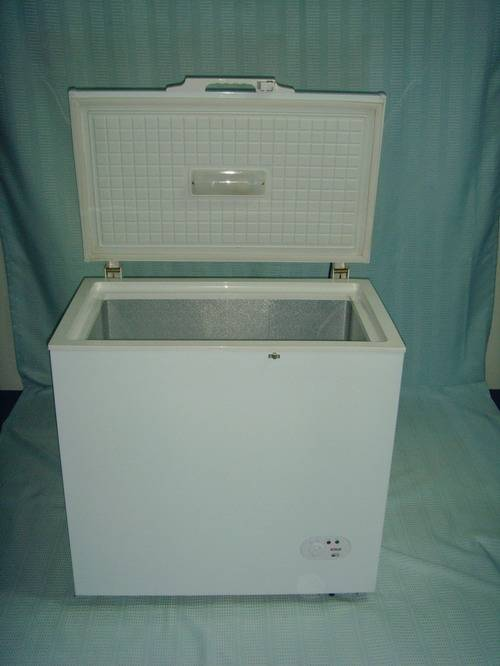 Inner light top opening single door freezer