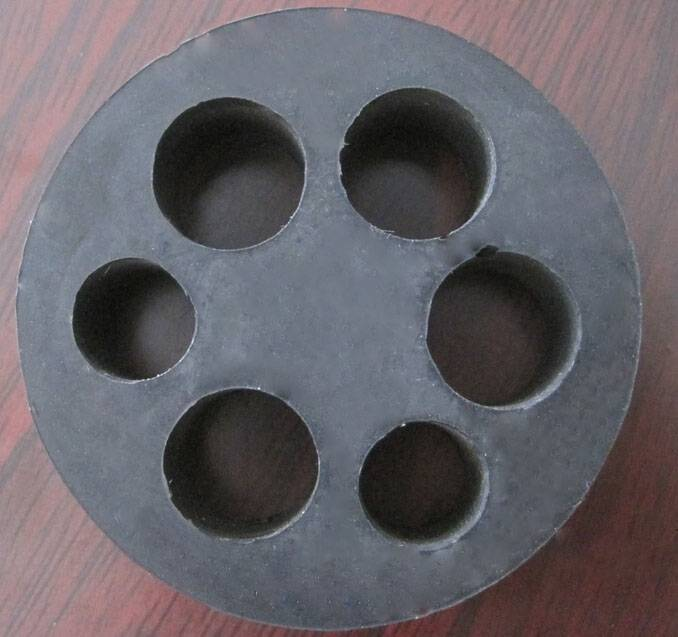 Special Rubber Mat with Six Holes