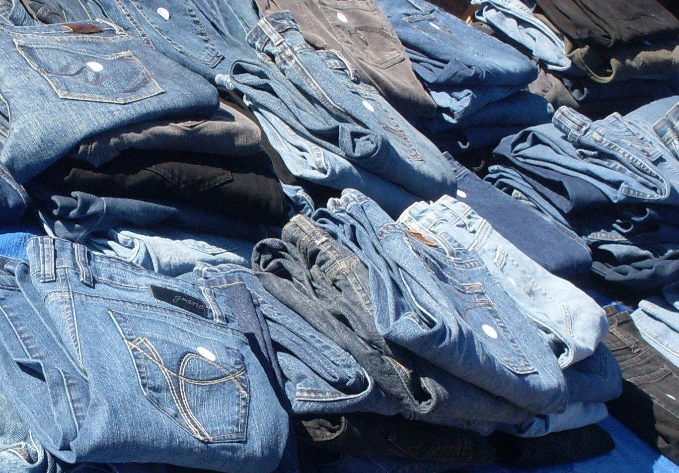 Container of used jeans. Ready to ship worldwide