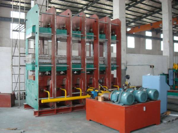 2500 T Rubber Fenders Vulcanizing Press