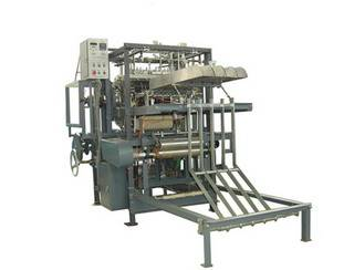 Gauze sponge folding machine with un-fold edge