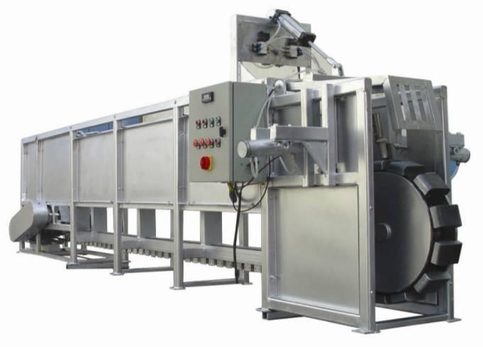 Pig stunning and conveying machine