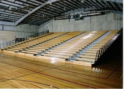 Retractable seating