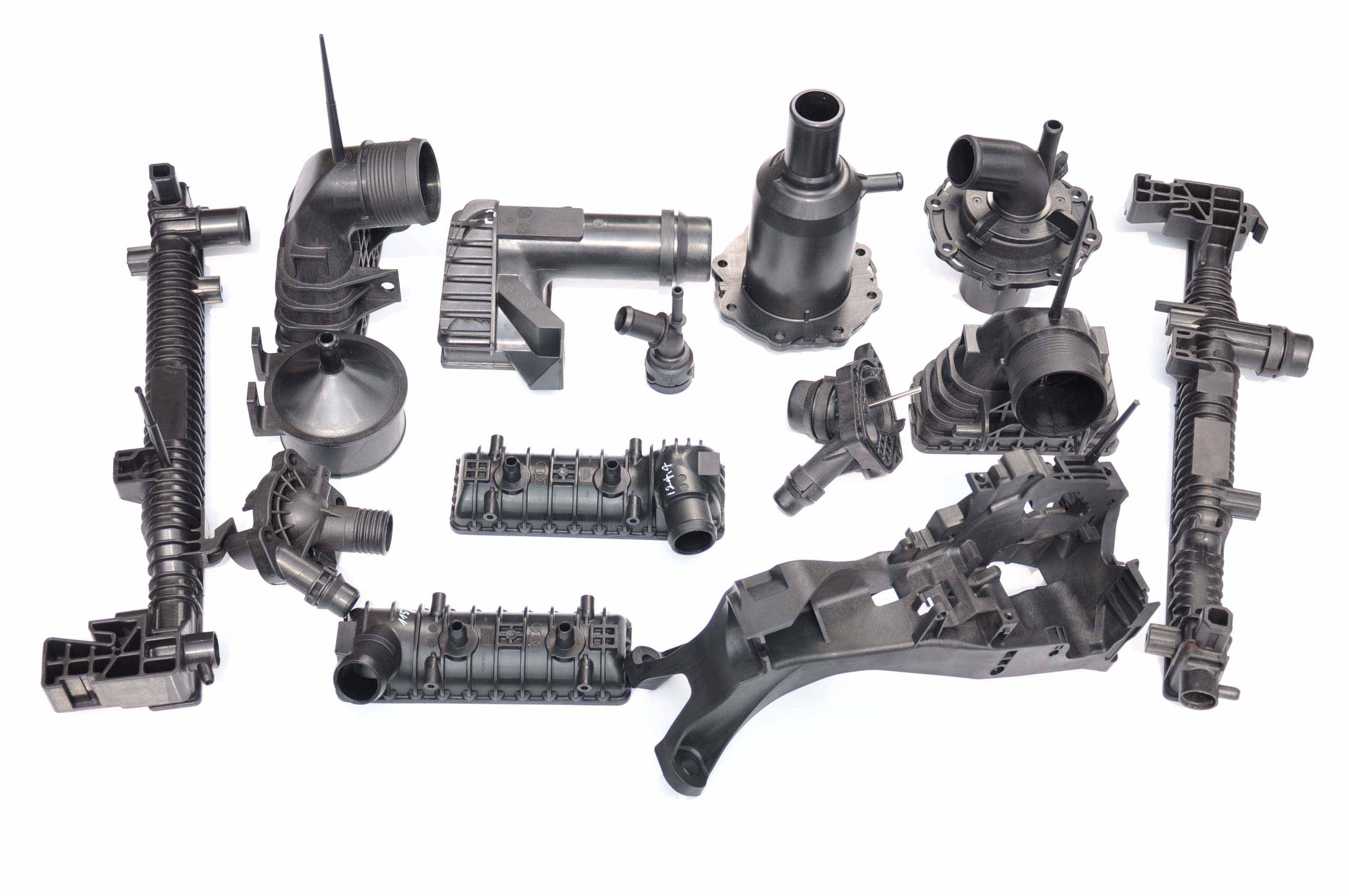 offer plastic injection molding service