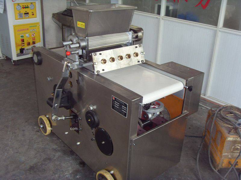 Wire Cutting Cookies Making Machine in Food Machinery