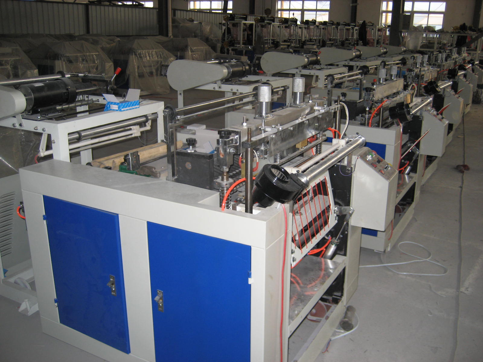 One-Line Hot Sealing and Hot Cutting Bag Making Machine