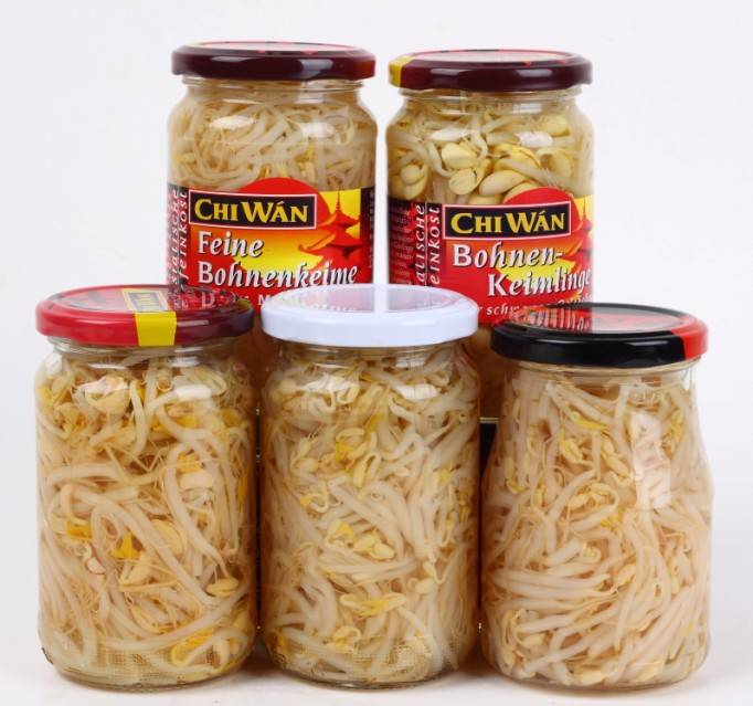 Canned natural bean sprouts