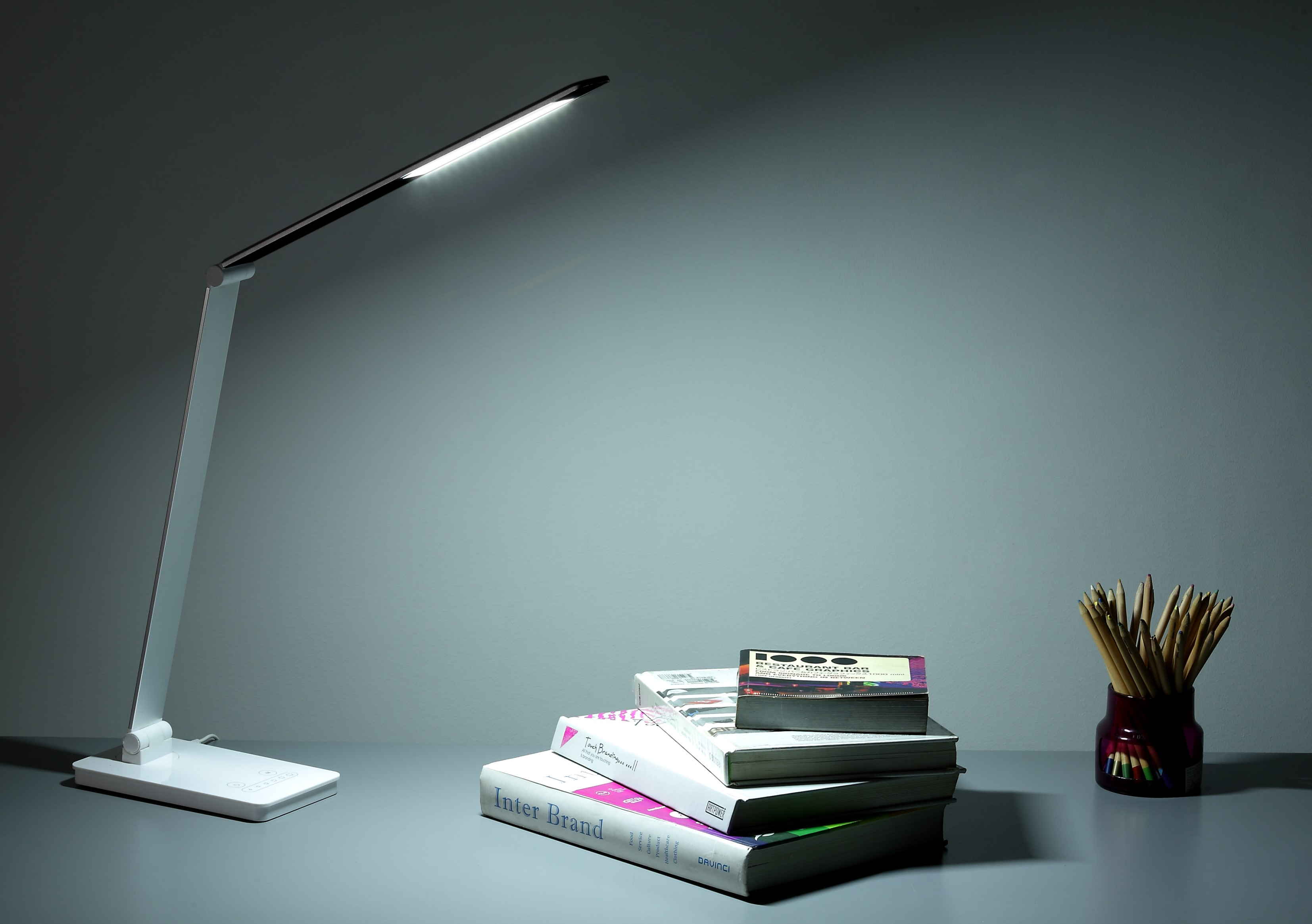 Six Dimming Wireless Charging Lamp
