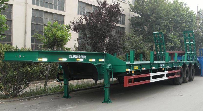 Tri-axle Lowbed Semi-trailer ST9390TD