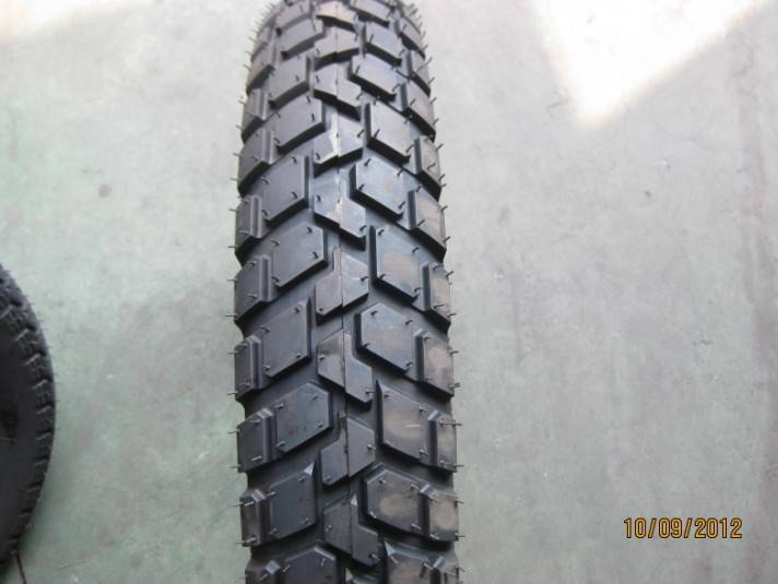 Diamond motorcycle tyre for sale