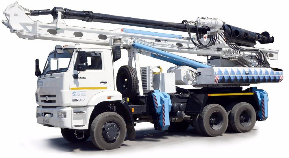 Truck Mounted Drilling Rig with Telescopic Mast and Hoist Equipment