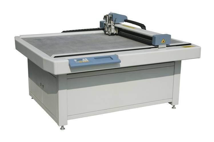 Fullly digital carton cutting table