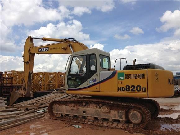 used kato HD820-3 Excavator