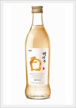 Korean Traditional Alcoholic Beverage 'Bekseju' (Rice Wine)