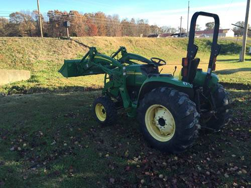 John Deere 4120 Utlity Tractor With Loader