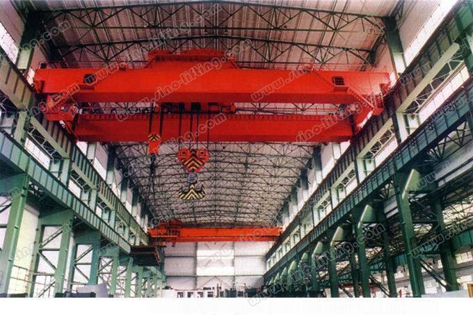 Overhead crane with hook