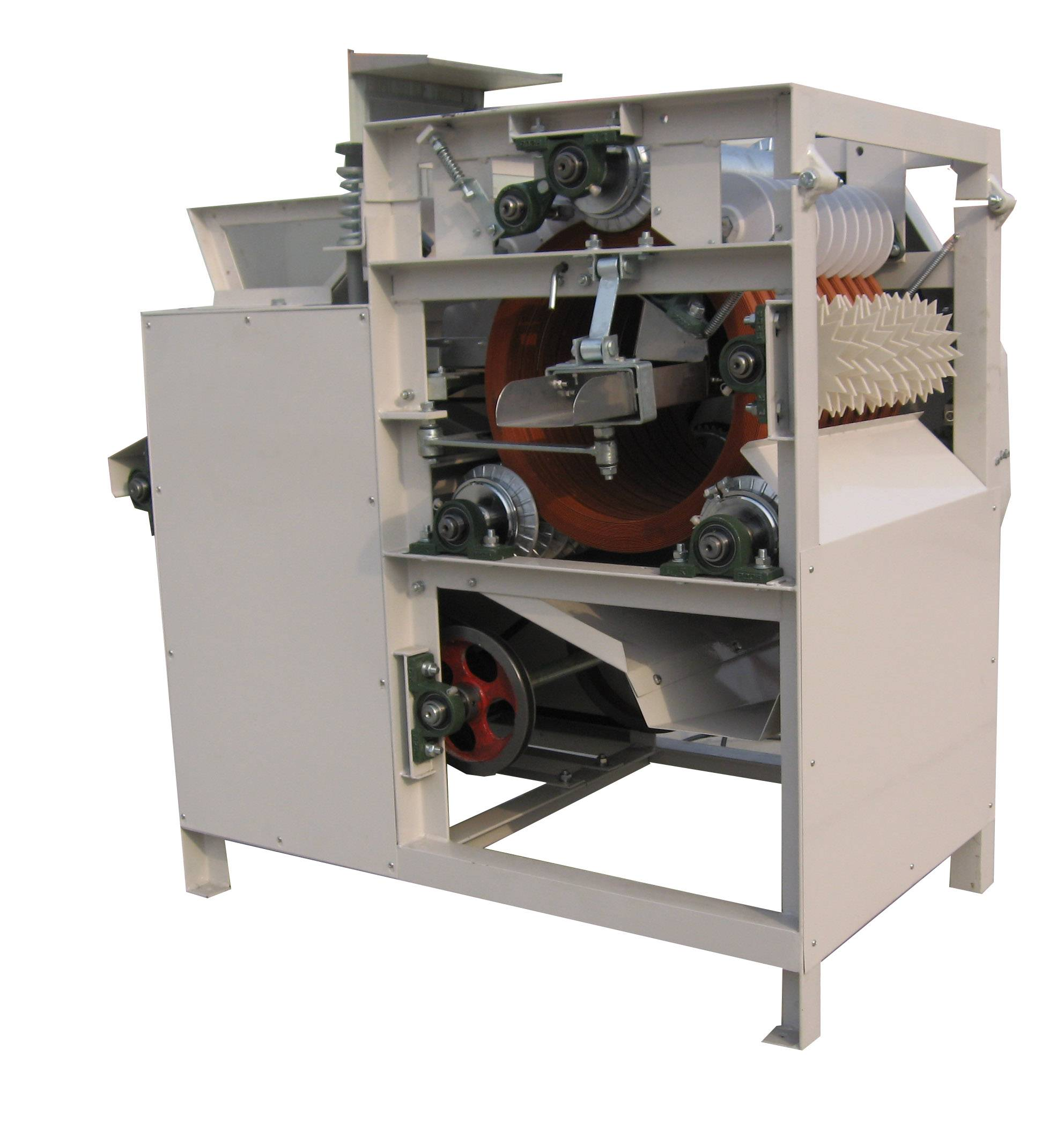 Peanut/Almond Peeling Machine