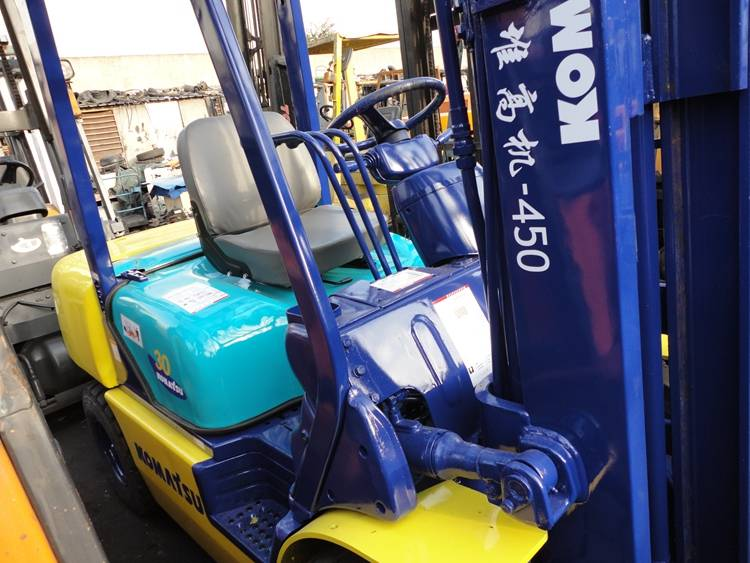 2010 year Used KOMATSU Forklift FD-60 from Japan