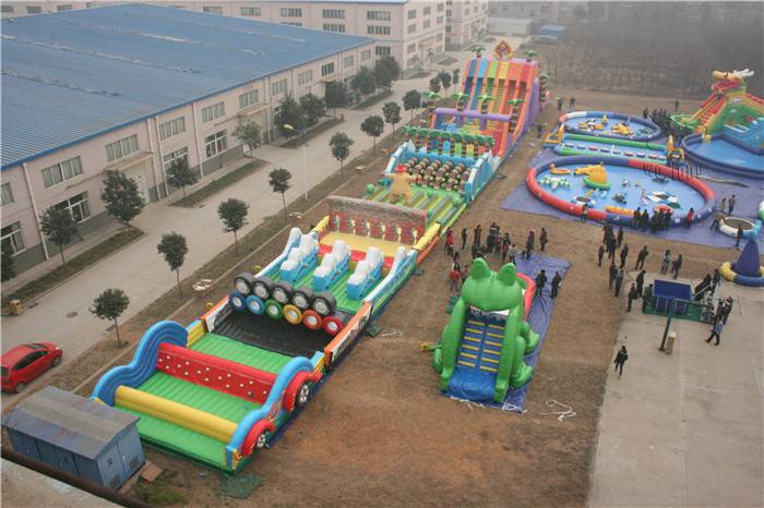 Inflatable obstacle course/large outdoor playground games