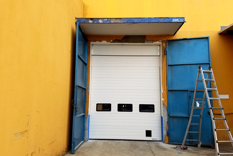 factory outlets industrial sectional gate electric operation door