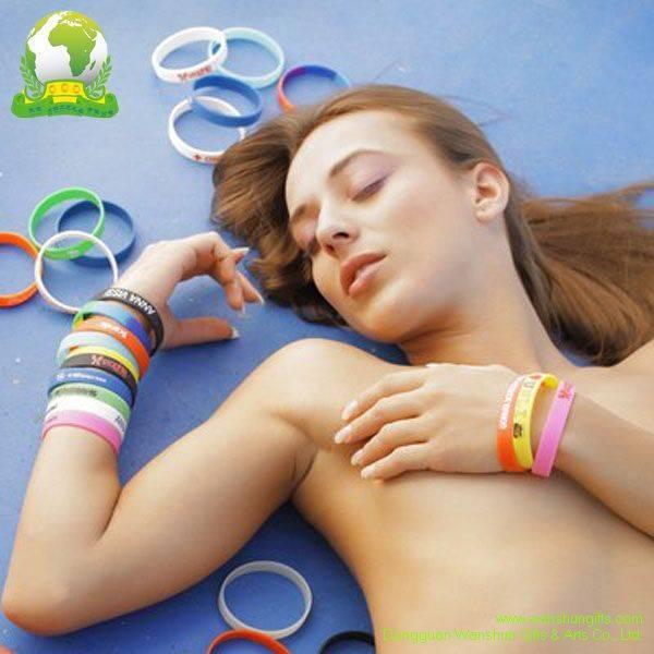 Selling Silicone Bracelets Silk Screen Printing Lanyards