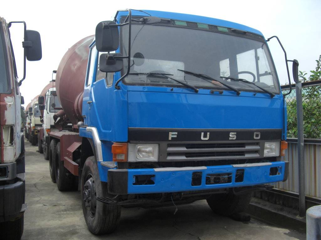 Used Fuso mixer truck (846-QP)