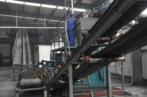 How to control coal briquette machine briquettes size and shape?