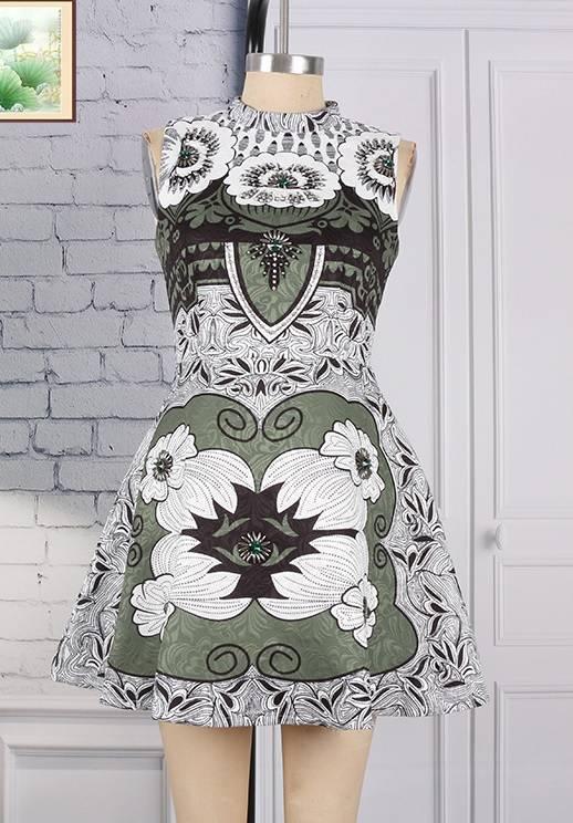 Fashion Sleeveless O-neck Embroidered Print Beading Dress