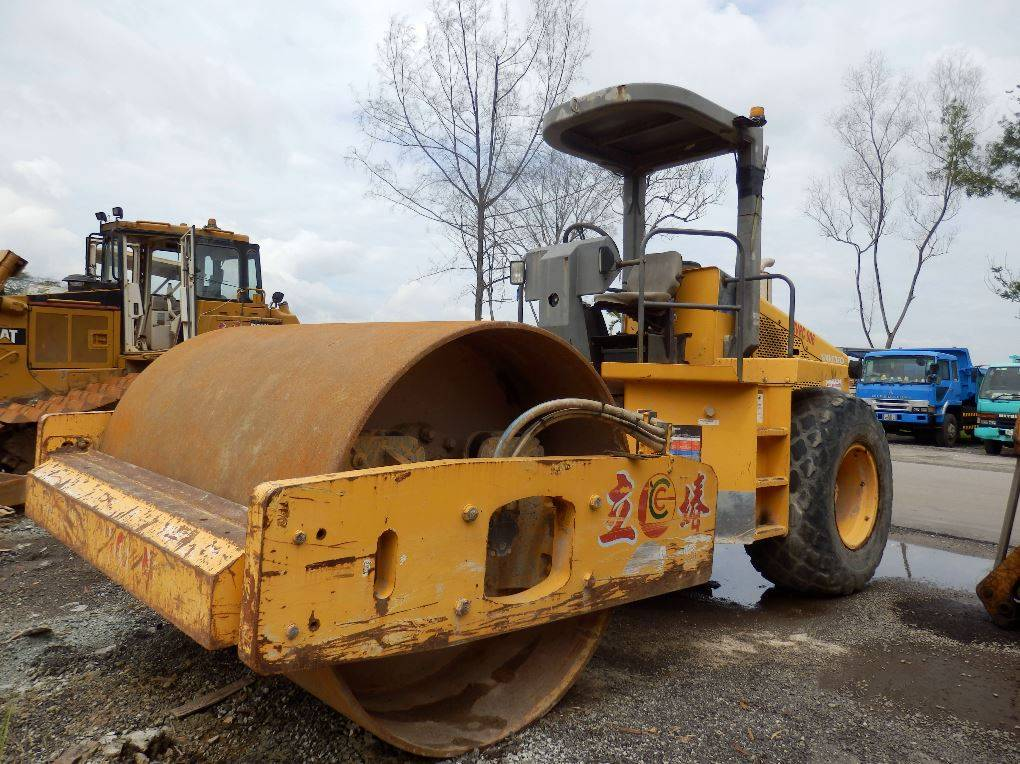 Used Vibratory Compact Roller Volvo SD150DC
