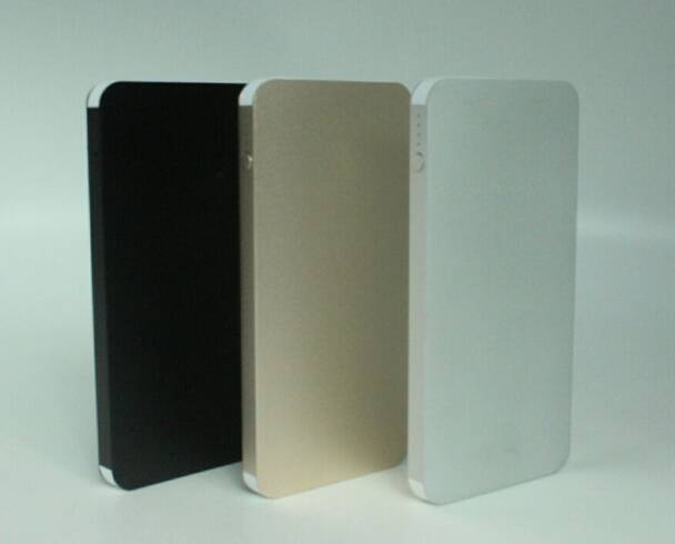 Metal material Ultra-thin portale power bank 5000mAh moblie charger