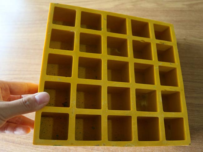 Fiberglass Pattern Solid Top Grating