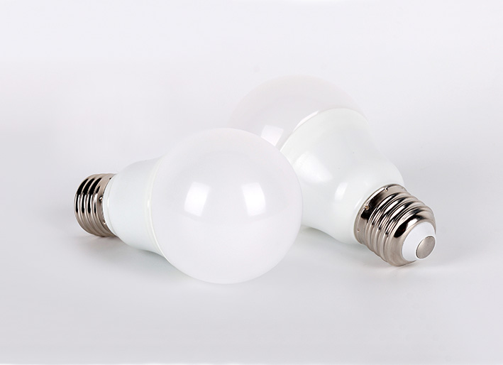 7W Hot Sales Saving Energy LED Bulb with UL FCC