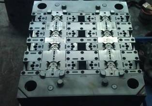 Precision injection mould 1
