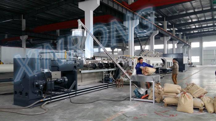 Large diameter PVC pipe extrusion line