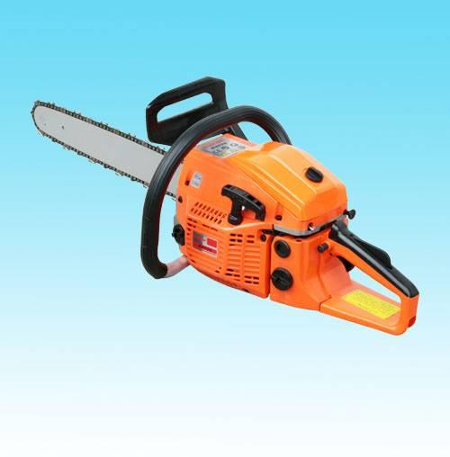 gasoline chain saw/cutting trees saw